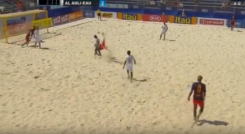 Απίθανα γκολ σε αγώνα beach soccer (video)