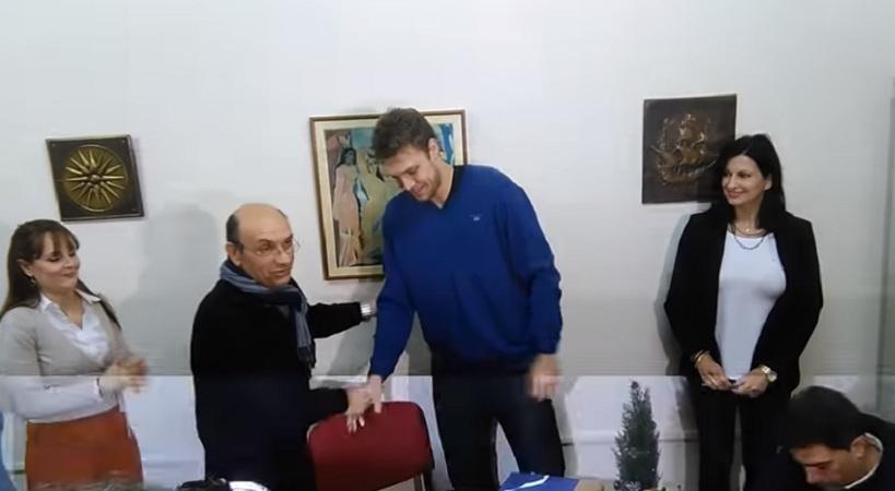 Επίσημα… Έλληνας ο Αλέξανδρος Βεζένκοφ