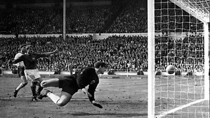 Είναι επίσημο: Σωστά μέτρησε το γκολ του Χερστ στον τελικό του '66 (pics)