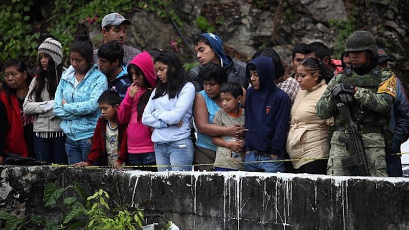 Τραγωδία στο Μεξικό: Σκοτώθηκαν 20 άτομα, μέλη ποδοσφαιρικής ομάδας (pics)
