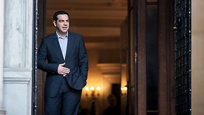 15 μονάδες μπροστά ο ΣΥΡΙΖΑ σε νέα δημοσκόπηση!