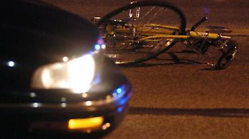 Συγκλονιστικό βίντεο: Αμερικανός λοχίας προσπαθεί να κρατήσει στη ζωή ποδηλάτη που χτυπήθηκε