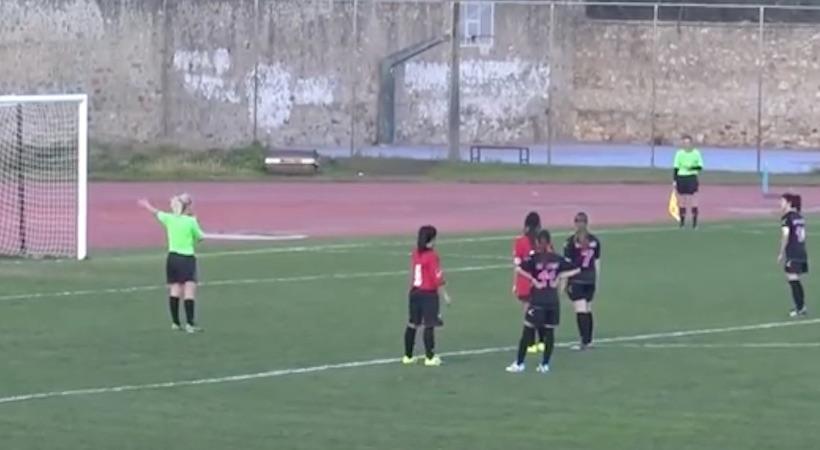 Ποια Μπαρτσελόνα; Πέναλτι με πάσα σε γυναικείο ματς στην Σπάρτη (video)