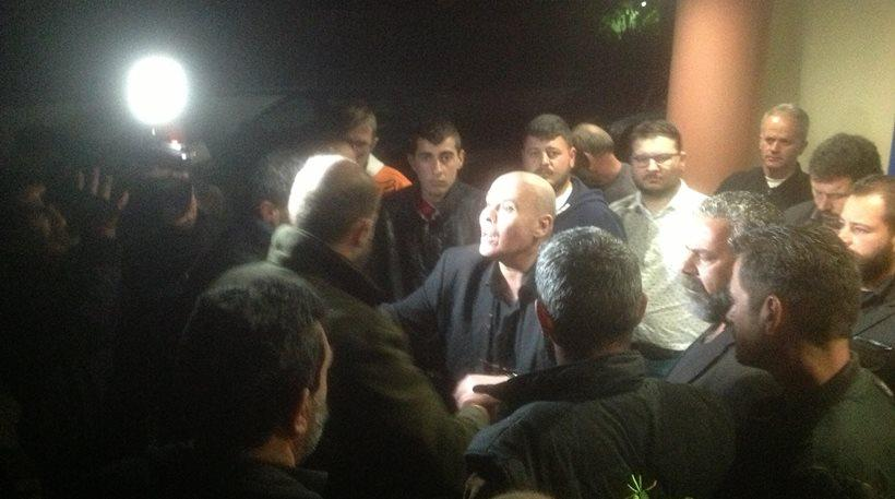 Κρήτη: Αγρότες προπηλάκισαν τον Γιάννη Μιχελογιαννάκη