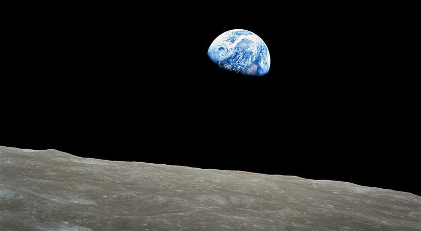 ΑΠΟΚΑΛΥΨΗ NASA: Αλλόκοτη μουσική απ' τη σκοτεινή πλευρά της Σελήνης που φρίκαρε το πλήρωμα! (video)