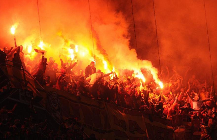 Έβαλαν «φωτιά» στη Ρώμη οι οπαδοί της Γαλατά (pics)