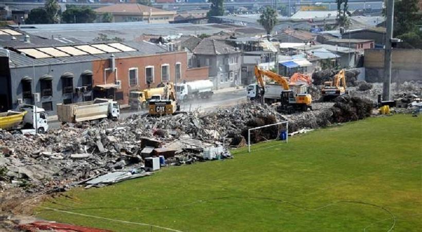 Γκρεμίστηκε το ιστορικό γήπεδο του Πανιωνίου στη Σμύρνη (pics)