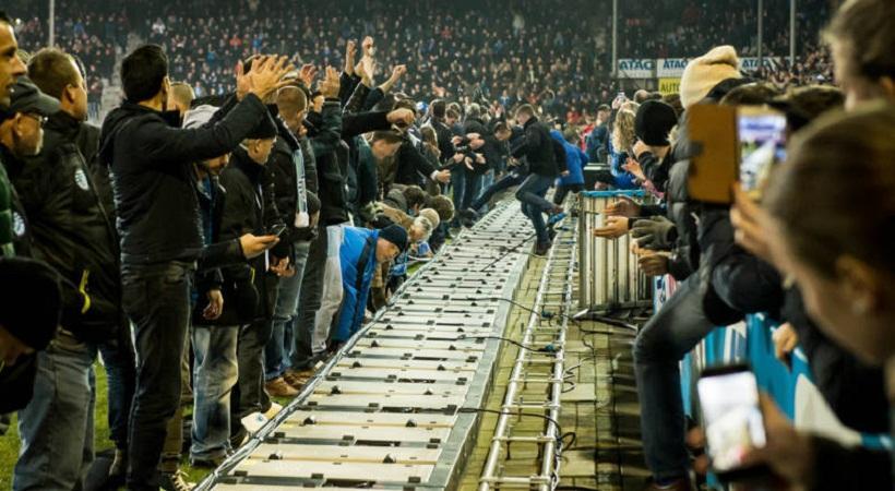 Οπαδοί εισέβαλαν σε αγώνα στην Ολλανδία με καλό σκοπό... Αλήθεια! (video)