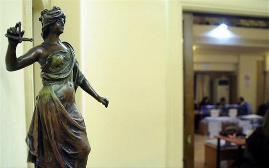 Παράταση της πανελλαδικής αποχής των δικηγόρων έως την 15η Απριλίου 2016