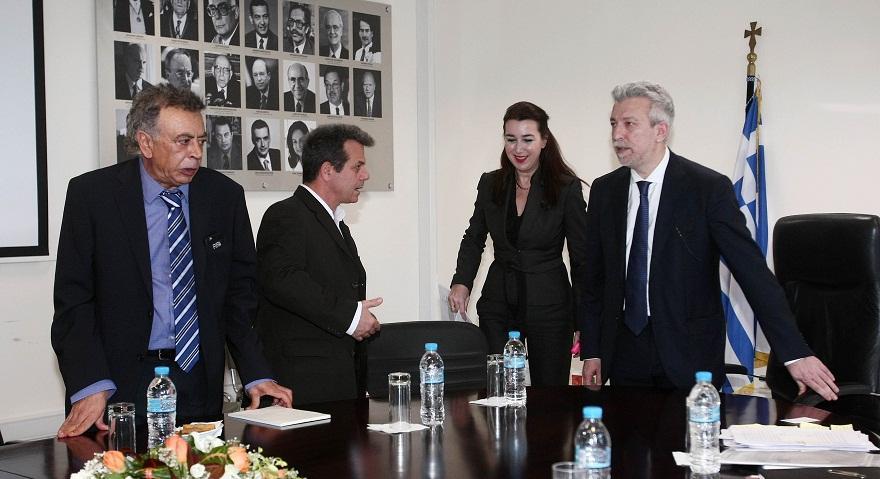 Στα άκρα Κοντονής-FIFA: Πάμε για Grexit