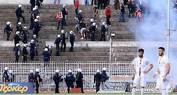 Ξύλο των οπαδών της Λάρισας με την αστυνομία στο Θεσσαλικό ντέρμπι (pics)