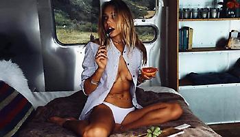 Η Alexis Ren εισβάλλει στις αντρικές φαντασιώσεις (pics)