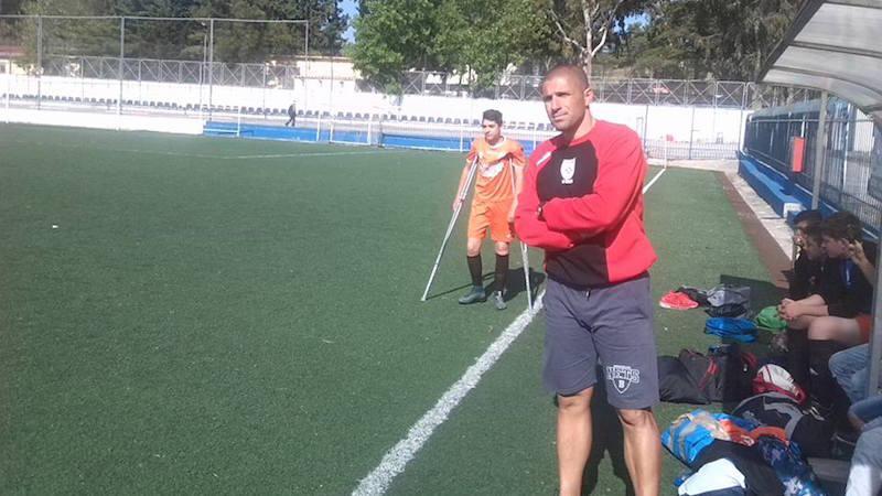 ΣΥΓΚΛΟΝΙΣΤΙΚΟ: Προπονητής στη Ρόδο κάνει αλλαγή νεαρό αθλητή με πατερίτσες (video)