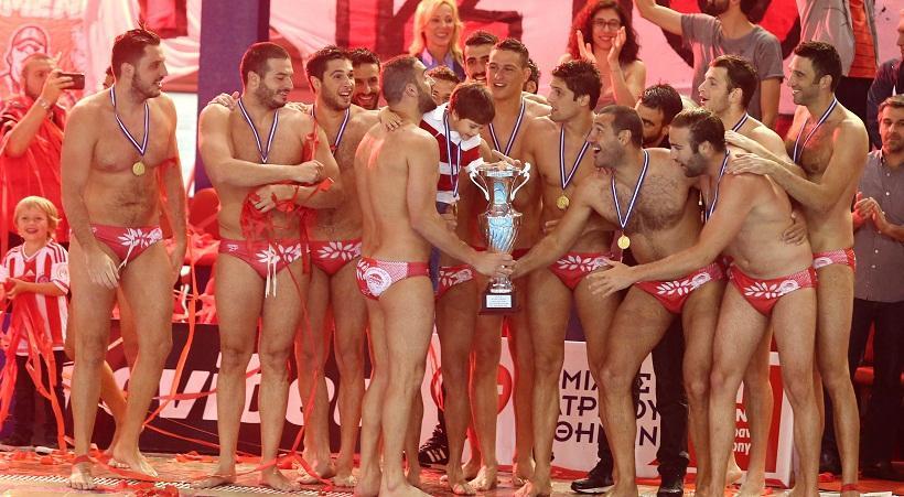 Αήττητος πρωταθλητής ο Ολυμπιακός!