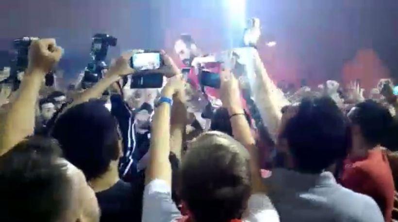 Σήκωσαν στα χέρια τον Σπανούλη (video)