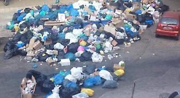 Kέρκυρα: Εκλεισε μαγαζί λόγω των σκουπιδιών -Στον αέρα η τουριστική σεζόν (pics)