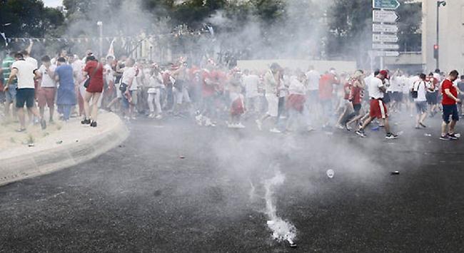Ξανά ένταση στη Μασσαλία: Πολωνοί επιτέθηκαν σε Πορτογάλους! (pics)