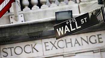Πετρέλαιο και εταιρικά κέρδη έριξαν την Wall Street