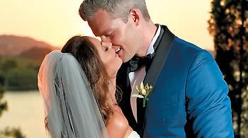 Γάμος αλά ελληνικά: από την Times Square στην Κέρκυρα