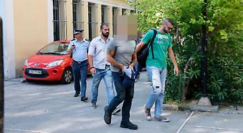 Στον εισαγγελέα το αρχηγικό μέλος του «Ρουβίκωνα» για την επίθεση στην τουρκική πρεσβεία