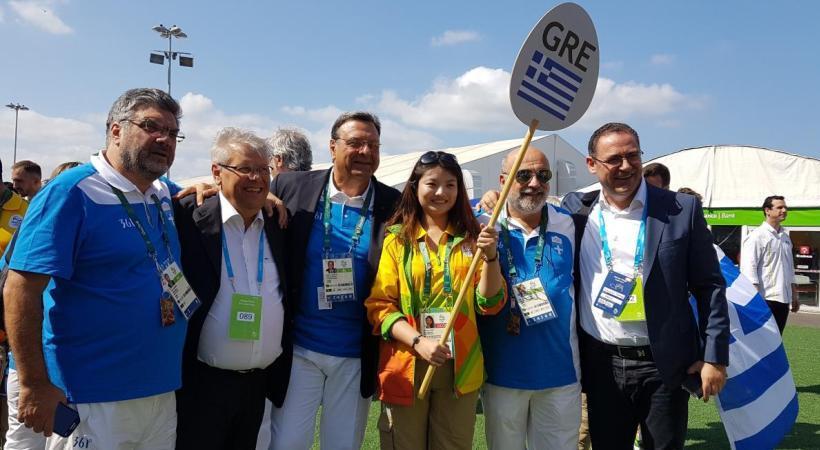 Κυματίζει η ελληνική σημαία στο Ολυμπιακό Χωριό