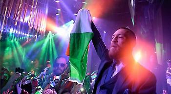 Έτσι γιόρτασε τη νίκη του ο ΜακΓκρέγκορ (pics&vid)