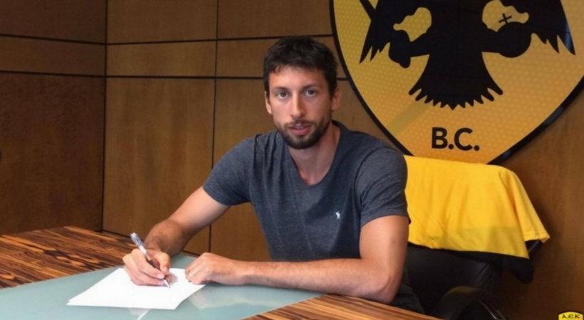 Υπέγραψε στην ΑΕΚ ο Ούκιτς! (pic)