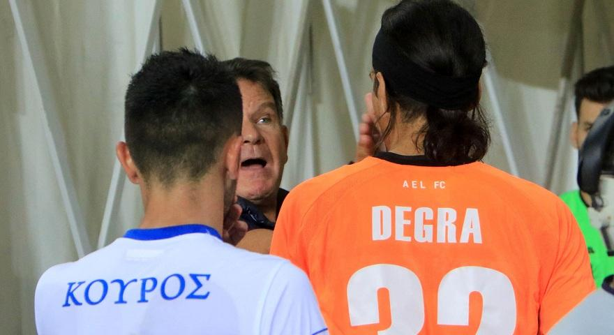 Έριξε κάτω τον Κούγια ο Ντεγκρά μετά το χαστούκι - «Τελείωσες», του είπε ο ιδιοκτήτης της ΑΕΛ (pics)