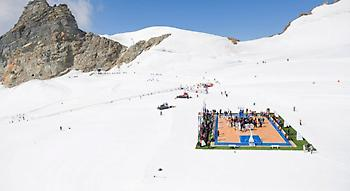 Ανέβασε στα… 3.500 μέτρα το μπάσκετ ο Τόνι Πάρκερ! (pics)