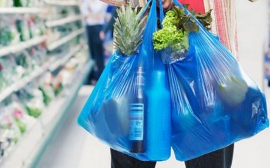 Οδεύουμε στη χρέωση της πλαστικής σακούλας και στην Ελλάδα