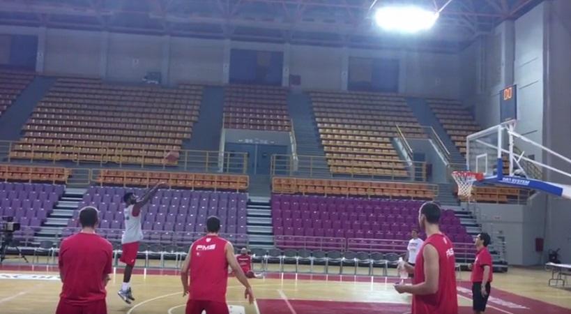 Το τρίποντο του... Γιανγκ(!) έσωσε τους παίκτες του Ολυμπιακού (video)