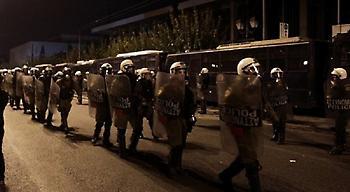 Επίθεση με μολότοφ σε άνδρες των ΜΑΤ το Σάββατο στο Πολυτεχνείο