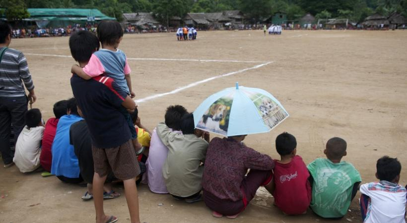 Τα «τρελά» γήπεδα δείχνουν τη δίψα για ποδόσφαιρο