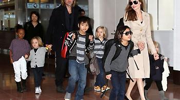 Η Αντζελίνα Τζολί εξασφάλισε προσωρινά την επιμέλεια των παιδιών