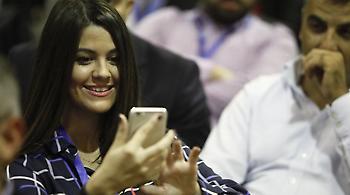 Χαμόγελα και selfies στο συνέδριο της ΟΝΝΕΔ (pics)