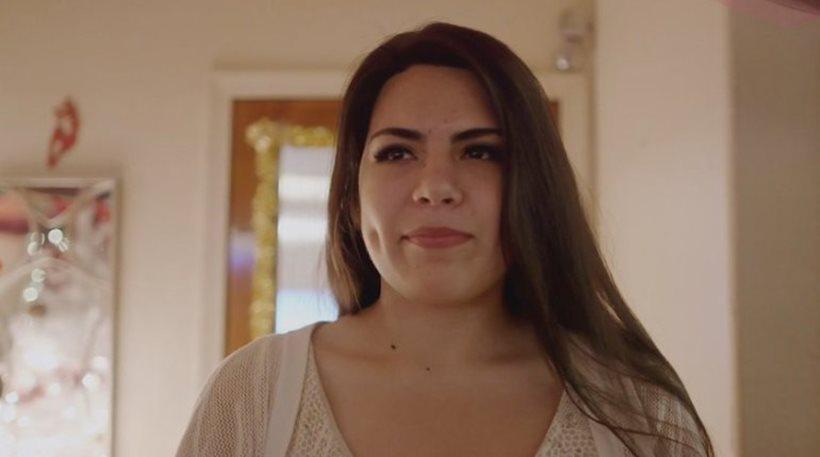 Βγάζει σε δημοπρασία την παρθενιά της για να βοηθήσει την οικογένειά της