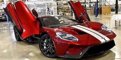 Το πρώτο Ford GT βγαίνει από το εργοστάσιο (video)