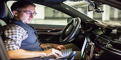 Όχημα αυτόνομης οδήγησης θα κυκλοφορήσει η BMW το 2021