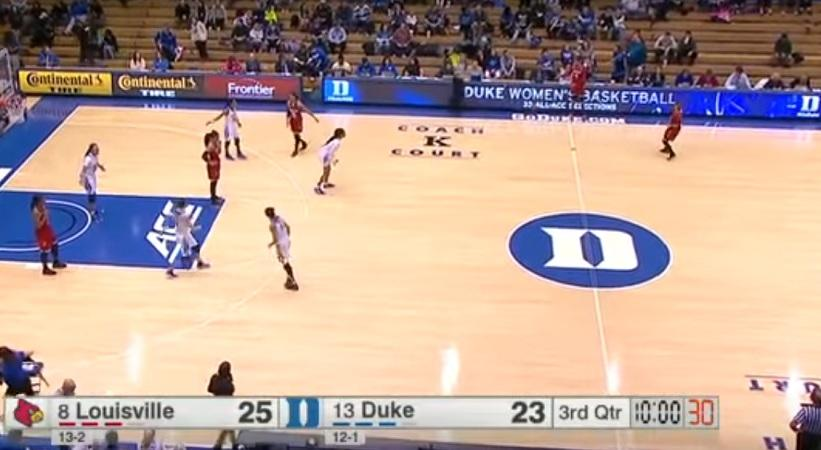 Απίθανη κομπίνα σε γυναικείο μπάσκετ (video)