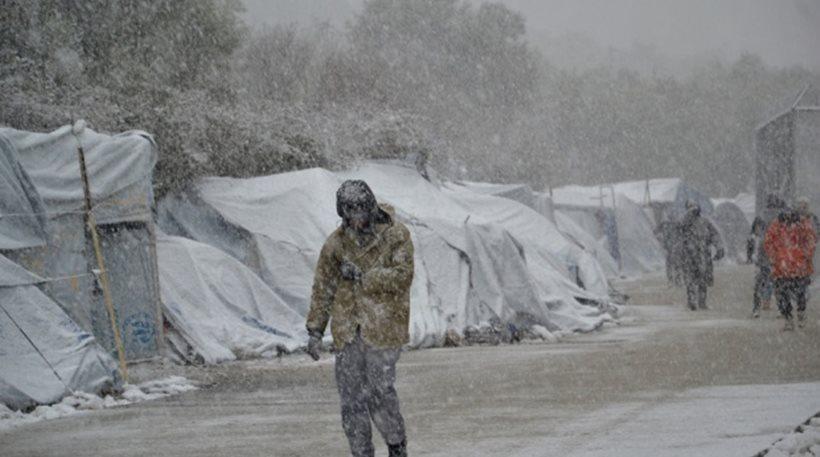 Καμπανάκι από τις ΜΚΟ: Πρόσφυγες και μετανάστες κινδυνεύουν από τη κακοκαιρία