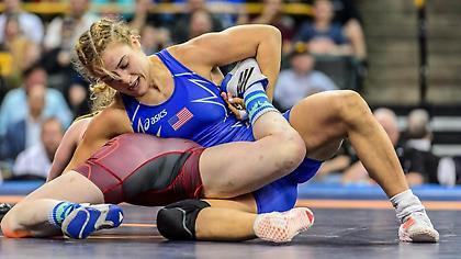 Προπονήθηκε με τον ΜακΓκρέγκορ Ελληνοαμερικανίδα αθλήτρια της πάλης