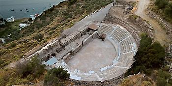Η Μήλος καλύτερο ελληνικό νησί για το 2017