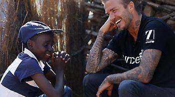 David Beckham: «Μαϊμού» φιλάνθρωπος για να πάρει τον τίτλο του «σερ»;