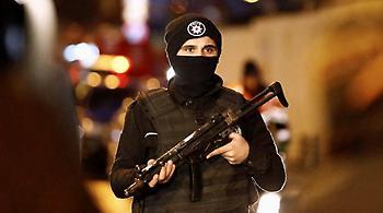 Κωνσταντινούπολη: Πέντε τραυματίες από τα πυρά αγνώστων σε καφέ (video)