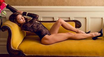 Η Μπρίτανι Μπρουσό προκαλεί ζαλάδες (pics)