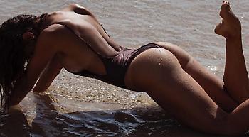 Η Ντάνι Μπόνορ είναι ένας «κίνδυνος» από την Αυστραλία (pics)