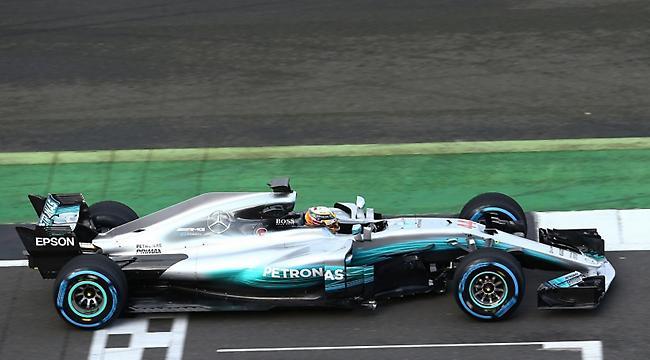 Η νέα Mercedes «πάτησε» Σίλβερστοουν (pics/video)