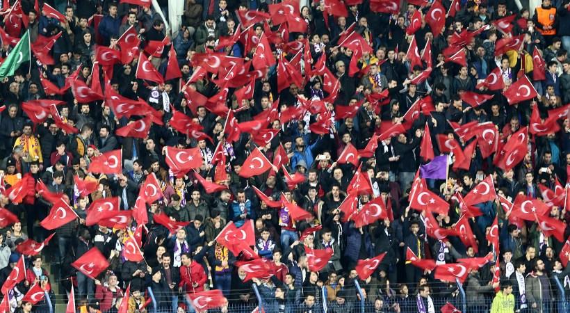 Το πανό που σήκωσαν οι οπαδοί της Οσμανλίσπορ για την Ελλάδα (pic)