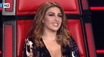 The Voice: Με αβυσσαλέο ντεκολτέ στον ημιτελικό η Έλενα Παπαρίζου! (video)