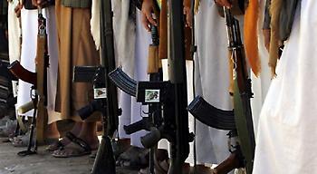 Οκτώ νεκροί από επίθεση αυτοκτονίας σε στρατιωτική βάση στην Υεμένη